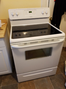 Frigidaire Stove (smooth top) for sale!