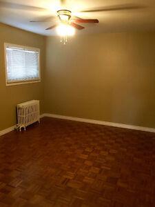4 Bdrm Main floor w/ back yard
