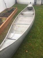 Canoe/ aluminum 16'