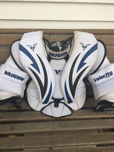 Vaughn V5 junior goalie chest protector