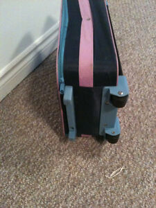 Barbie suitcase  extendable handle and good rolling wheels  in g Kitchener / Waterloo Kitchener Area image 4