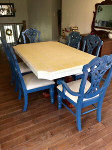 Must Go! Dining Room Table Set