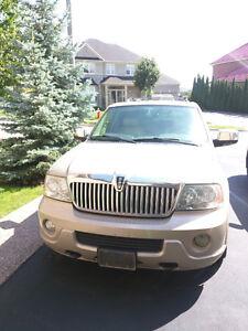 2004 Lincoln Navigator SUV, good condition