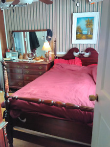 Antique Mohagany Bedroom set/Solid Wood