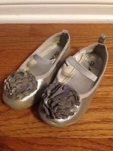 Silver dress shoes, girls size 10 London Ontario image 1