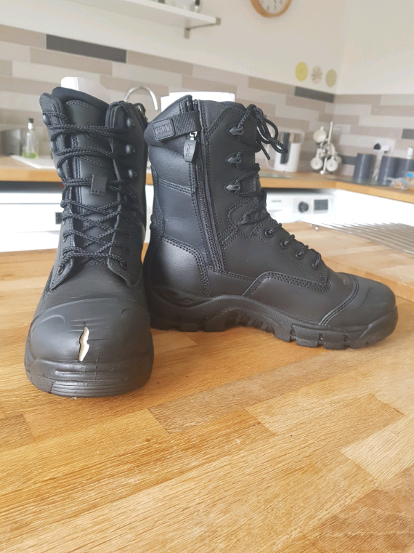 7d996558456 Offshore safety boots Magnum new in box but damaged   in Wallsend, Tyne and  Wear   Gumtree