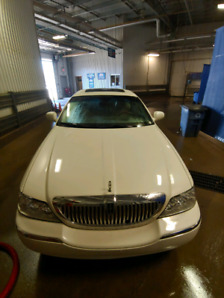 OBO! Limosine, Lincoln Town Car