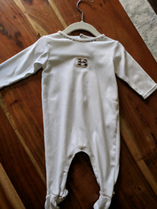 Burberry Onesize 6-12 months