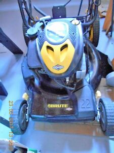 BRUTE 22'' FWD LAWNMOWER, 190 cc / WITH GRASS BAG