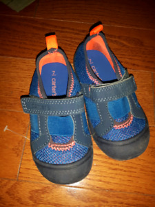 toddler size 7 new water shoes