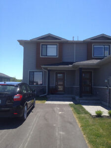Room for Rent New Townhouse Potter's Creek Available May 01