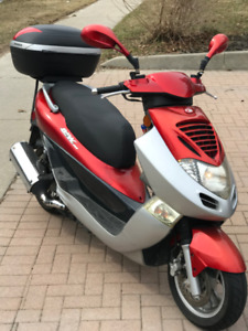 Kymco Japanese 250 cc Motorcycle/Scooter 2 seater