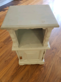 Small bedside cabinet for upcycling