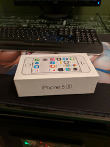 32 GB - Unlocked iPhone 5s - Excellent Condition -