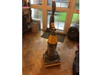 Dyson 07 upright cleaner - old but working
