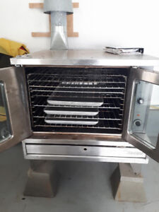 Sunfire Commercial Baking Oven with pans