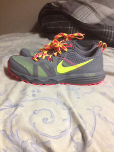 Women's brand new Nike trainers