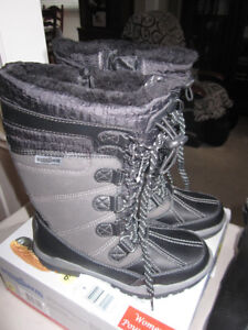 Ladies Winter Boots, Aquatherm,(6 & 7)Woolrich,(6) Brand New$25