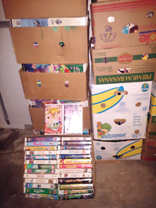 LOTS VHS DISNEY CLASSIC FOR SALE.