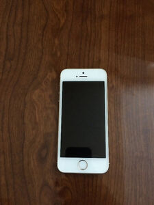 iPhone 5S 16GB Gold Perfect Condition