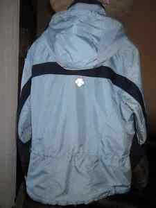 ENSEMBLE DE SKI ''DESCENTE'' 8 ans (manteau et pantalon) Québec City Québec image 2