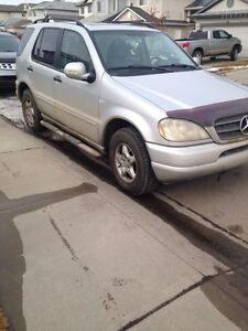 2000 Mercedes Bens ML 320 Base needs to be sold ASAP!