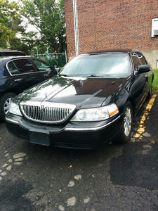 2010 Lincoln Town Car Executive Sedan