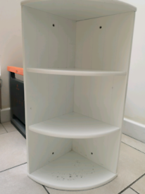 Bathroom storage corner