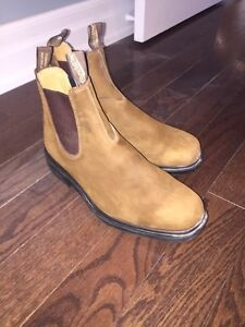 Men's blundstones size 10.5 only worn once!