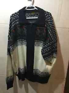 ZIP SWEATER, GREAT CONDITION!!!