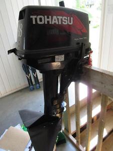 Moteur Hors bord Tohatsu 9,8 HP, 2 temps 2011