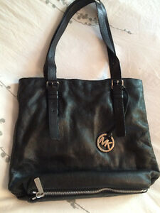 AUTHENTIC MICHEAL KORS BUTTER SOFT PURSE