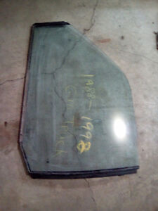 Left door glass for 1988-98 GM pickup