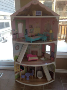 Large Doll's House