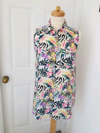 *AS NEW* Pretty Summer Top Size 10
