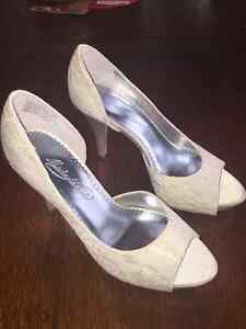 Lace and Sequence Wedding Shoes - size 7 Sarnia Sarnia Area image 5