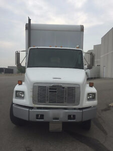 1998 FREIGHTLINER BOX TRUCK FOR SALE