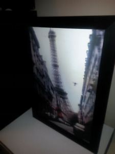 "Beautiful 3D Hologram Paris Eilffel Tower Picture Frame 22""X30"""