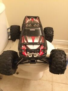 TRAXXAS SUMMIT WITH CHARGERS Kitchener / Waterloo Kitchener Area image 1