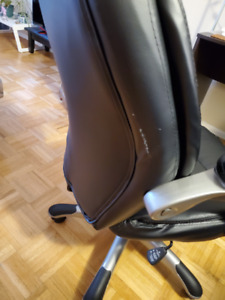 Black Office Chair good conditions