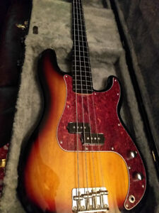 Fender Squire Vintage Modified Fretless Precision Bass