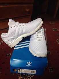 Adidas ZX FLUX UK 5 White brand new boxed