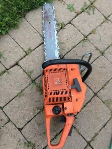 Husqvarna 266 chainsaw