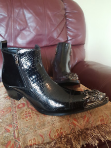CLASSY STYLISH BOOTS FOR SALE