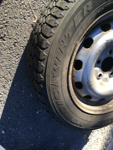 Winter tires with rims (Goodyear) 215/60/16