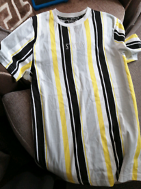 Size s boys top