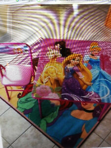 Decorate a room with Disney Princesses