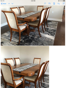 Gorgeous Pedestal Oak Dining Table, 6 chairs
