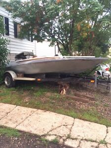 V-DRIVE boat 400 FORD $800 today