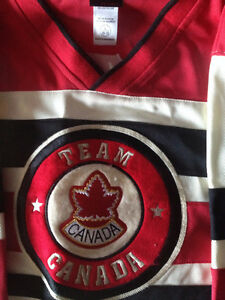 Throwback Nike Team Canada Jersey Peterborough Peterborough Area image 2